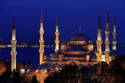 Reimar Gaertner - Six minarets of the Blue Mosque lit at twilight on the Bosphorus