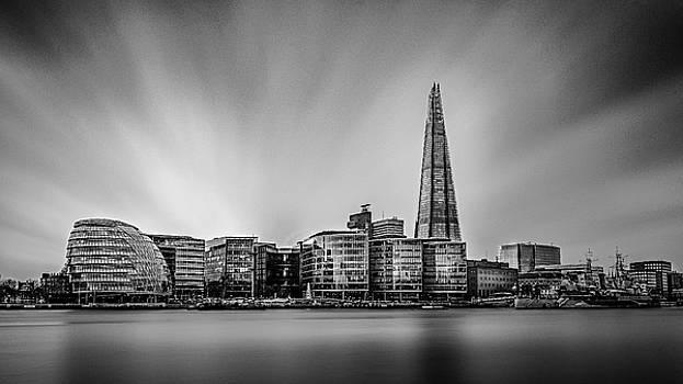 Skyline - London by Kelvin Trundle