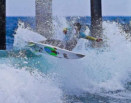 Slash N Splash by Ron Dubin