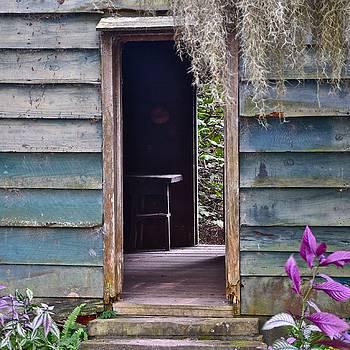 Slave Cabin Magnolia Plantation by Lori Kesten