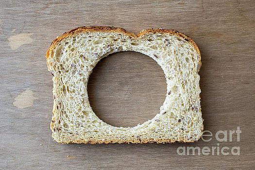 Edward Fielding - Slice of bread with missing center