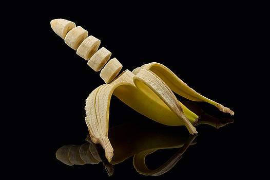 Sliced Banana by Gert Lavsen