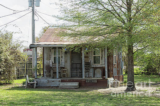 Patricia Hofmeester - Small shack with porch in Clarksdale
