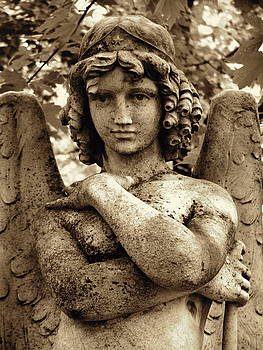Smiling Angel by Loretta Fasan
