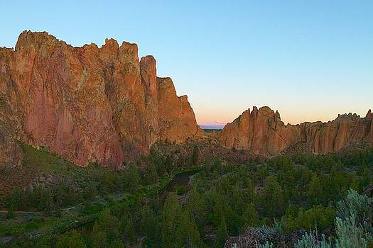 Smith Rock by Michael Blesius