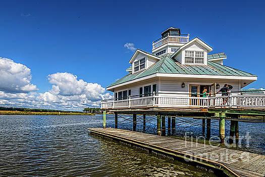 Doug Berry - Smithfield Station Lighthouse on the Pagan River 5213T
