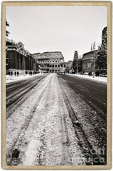 Snow at the Colosseum - Rome by Stefano Senise