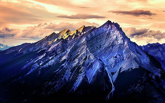 Mount Cascade by John Poon