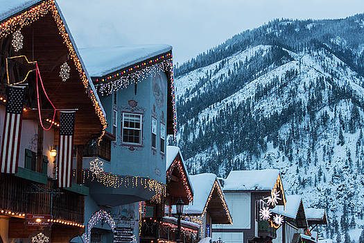 Snow Rooftops In Leavenworth by Matt McDonald