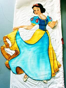 Snow White by Carolyn Sylvester