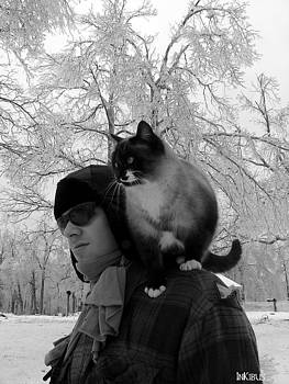 Snowpaws and the adventurer by Alana  Schmitt