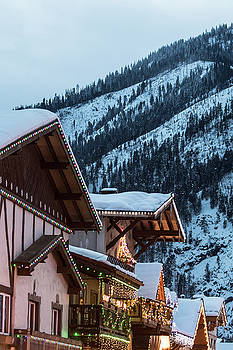Snowy Roof Tops In Leavenworth by Matt McDonald