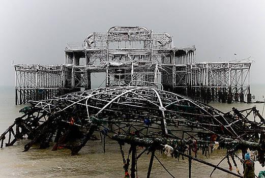 Snowy West Pier Brighton by Darren Kearney
