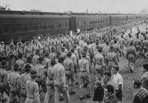 Chicago and North Western Historical Society - Soldiers Bid Farewell to 226 Men Leaving for Panama - 1939
