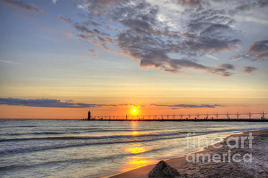 South Haven Lighthouse by Scott Wood