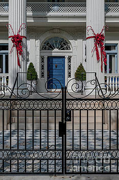 Southern Antebellum Entrance by Dale Powell