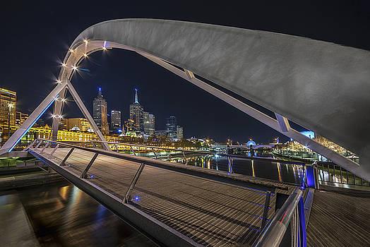Southgate Bridge at Night by Ray Warren