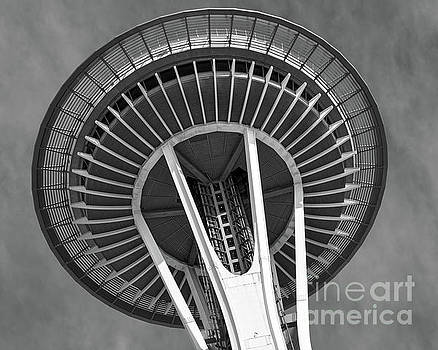 Space Needle 1 bw by Jerry Fornarotto