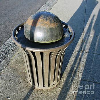 Space Trash by Bill Thomson