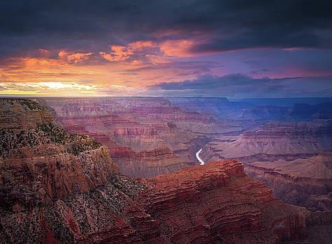 Spendid Light // Grand Canyon National Park  by Nicholas Parker