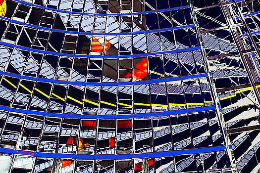 Spiegeling by Arie Van Garderen