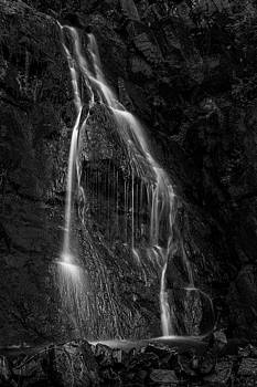 Spiegeltal Waterfall in black and white by Andreas Levi