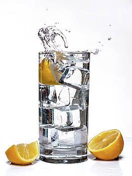 Splash of lemon by Gary De Capua