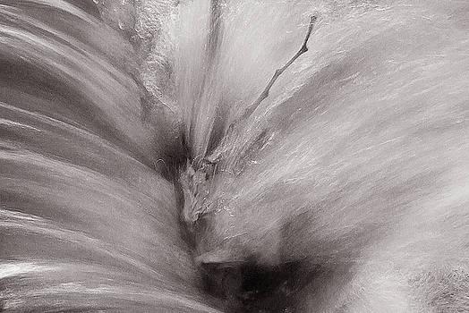 Splash of No Color by Thomas Bomstad
