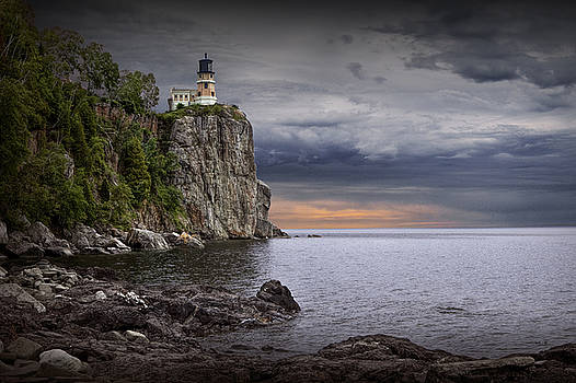 Randall Nyhof - Split Rock Lighthouse at Sunrise