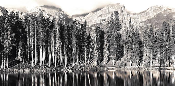Sprague Lake by Thomas Bomstad