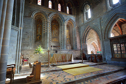 St Davids Cathedral 2 by Phil Fitzsimmons