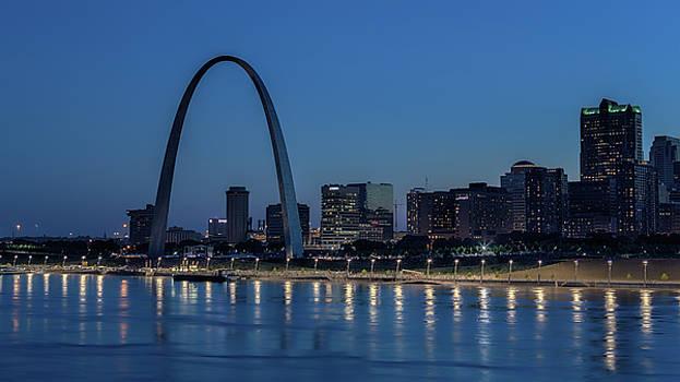 Susan Rissi Tregoning - St Louis at Night
