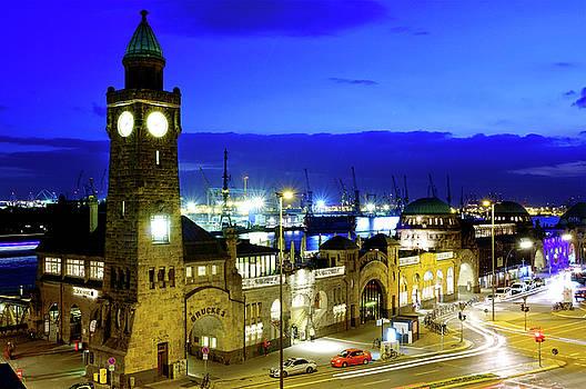 St. Pauli Piers by Fabrizio Troiani