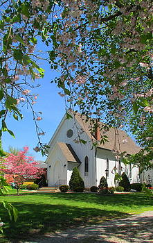 St. Paul's Episcopal Church by Denise   Hoff