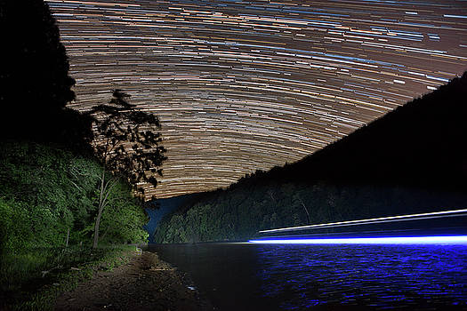 Star trails by Dan Friend