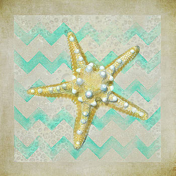 Starfish In Modern Waves by Sandi OReilly