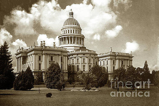 California Views Mr Pat Hathaway Archives -  State Capitol, Rear View, Sacramento, Cal. Circa 1907