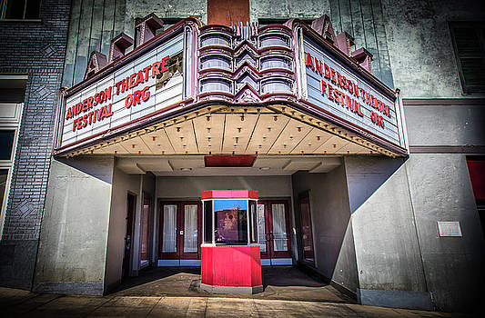 State Theater by Lynne Jenkins
