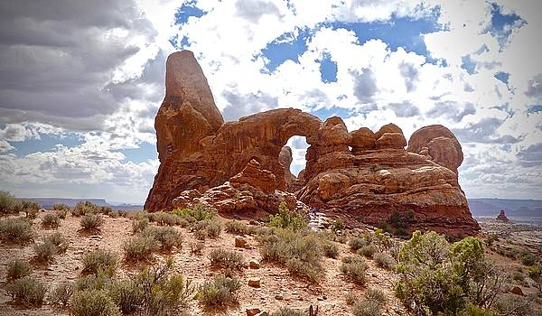Statue of Arches by Travis Deaton