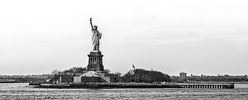 Pelo Blanco Photo - Statue of Liberty Black and White