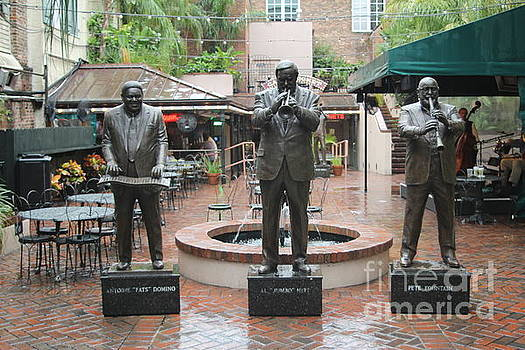 Chuck Kuhn - Statues of Jazz Great Hurt, Fats, Fountain