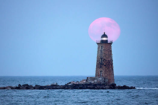 Stawberry Moon over Whaleback Lighthouse by Robbie George