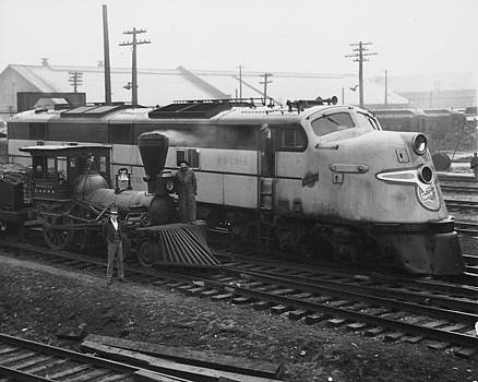 Chicago and North Western Historical Society - Steam and Diesel Locomotives at Chicago Shops - 1948