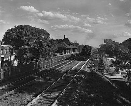 Chicago and North Western Historical Society - Steam Train at Rogers Park Station - 1949