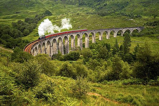 Steam train by Swen Stroop