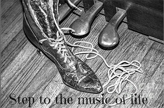 Tracy Brock - Step to the music of life