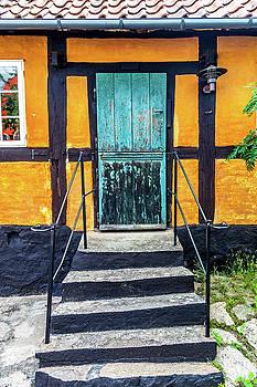 W Chris Fooshee - Steps and an Old Door in Gudhjem