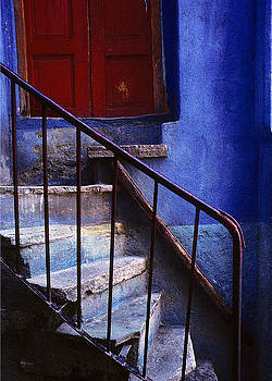 Steps and Door in Mexico by Alan Mogensen
