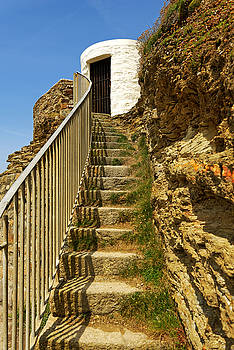 Steps To Dead Mans Hut - Portreath by Rod Johnson
