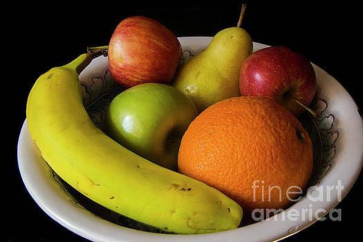 Still Life Bowl of Fruit by Allan Einhorn